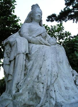Stone statue, Queen Victoria, seated
