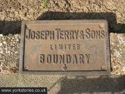 terrys-boundary-sign-290312_1024.jpg