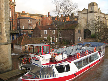 boatyard-riverside-281112-350.jpg