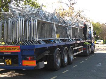 safety-barriers-queens-visit-050412_350.jpg