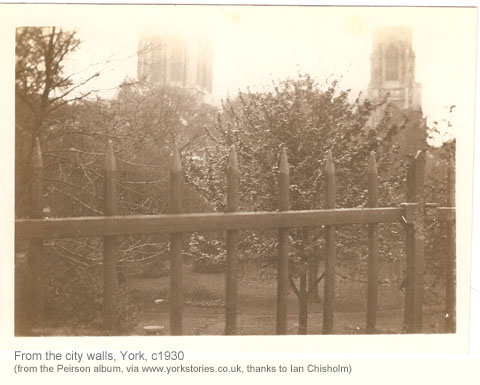 walls-minster-c1930-2.jpg