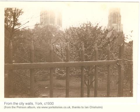 walls-minster-c1930-2.jpg