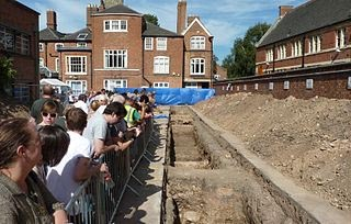 Archaeological dig, Leicester, and site visitors