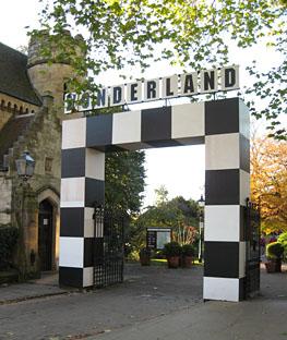 wonderland-entrance-05112-263.jpg