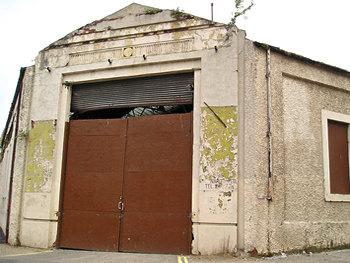 Airspeed/Reynard building, entrance (2006)