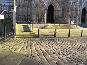 At the Minster's west front, winter solstice 2005