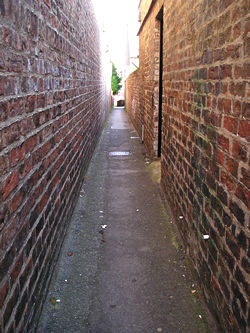 Alleyway from the Green to Front Street