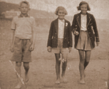 Stephen and his cousins at Filey, 11 August 1939