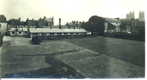 Exterior view of RCAF service hostel or leave club, 1940s