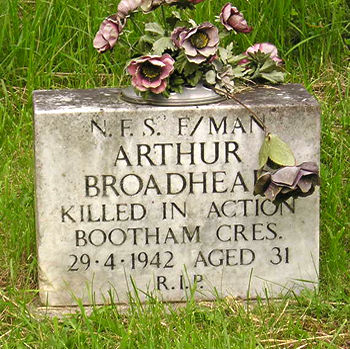 Headstone in York Cemetery – Arthur Broadhead, fireman